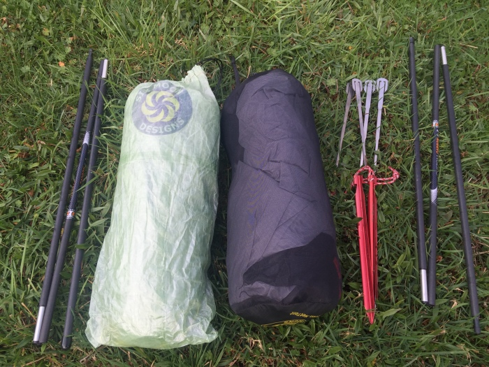 Six Moon Designs 'Cuben Haven Tarp' + Haven NetTent + 4 Suluk46 stakes + 2 Groundhog stakes + SMD carbon fiber poles